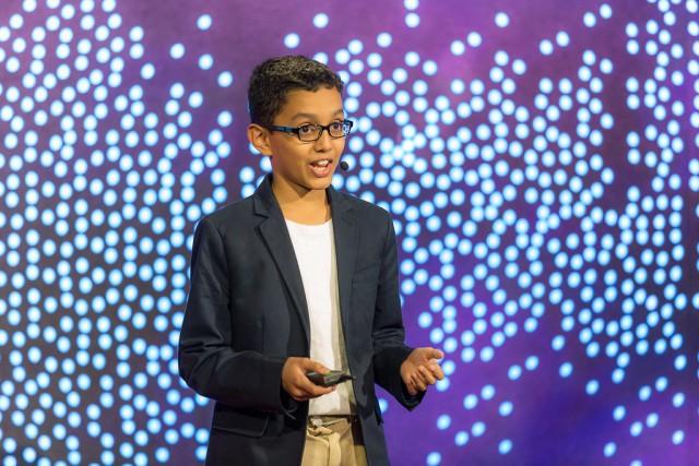 Haaziq Kazi phát minh thu gom rác thải nhựa từ đại dương
