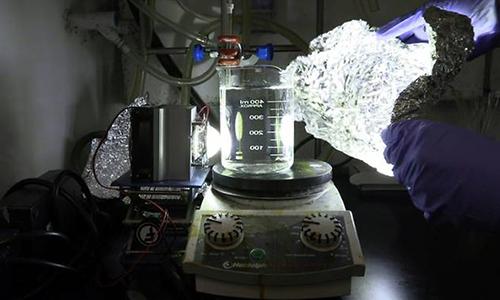 Phương pháp phân hủy nhựa bằng ánh sáng