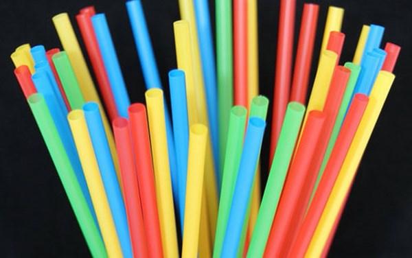 ống hút nhựa
