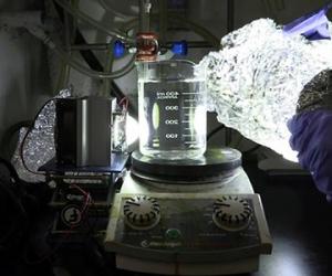 Phương pháp phân hủy nhựa bằng ánh sáng nhân tạo