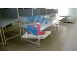 Gia công bàn kiểm hàng mẫu 2