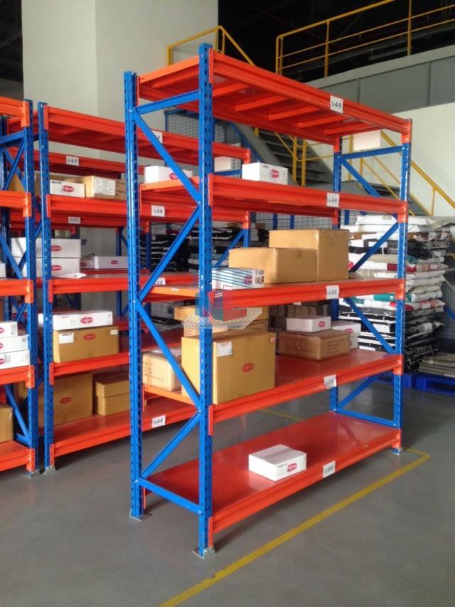 kệ lắp ghép lưu trữ hàng hóa trong kho công nghiệp