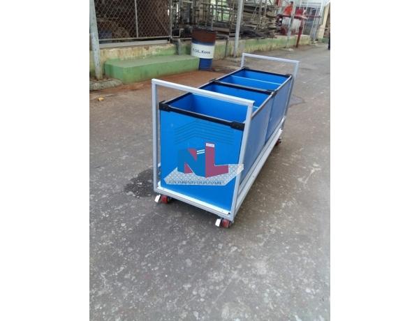 Gia công xe đẩy hàng hai đầu thùng nhựa