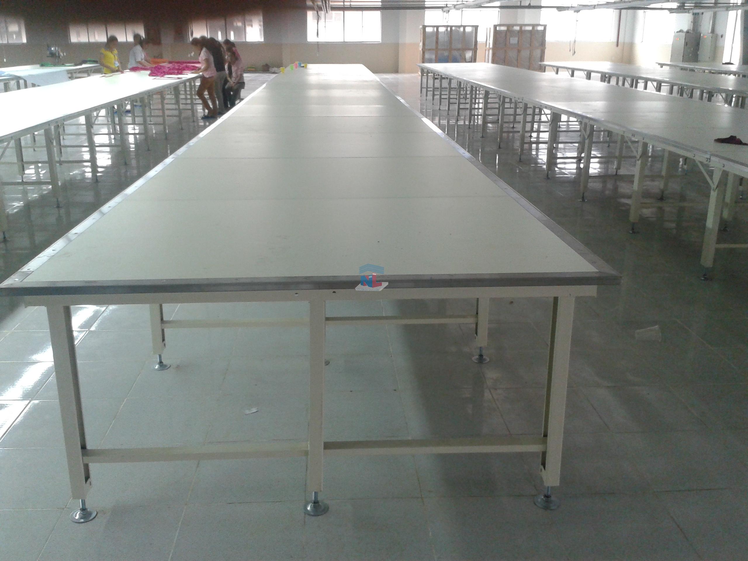 bàn trải cắt