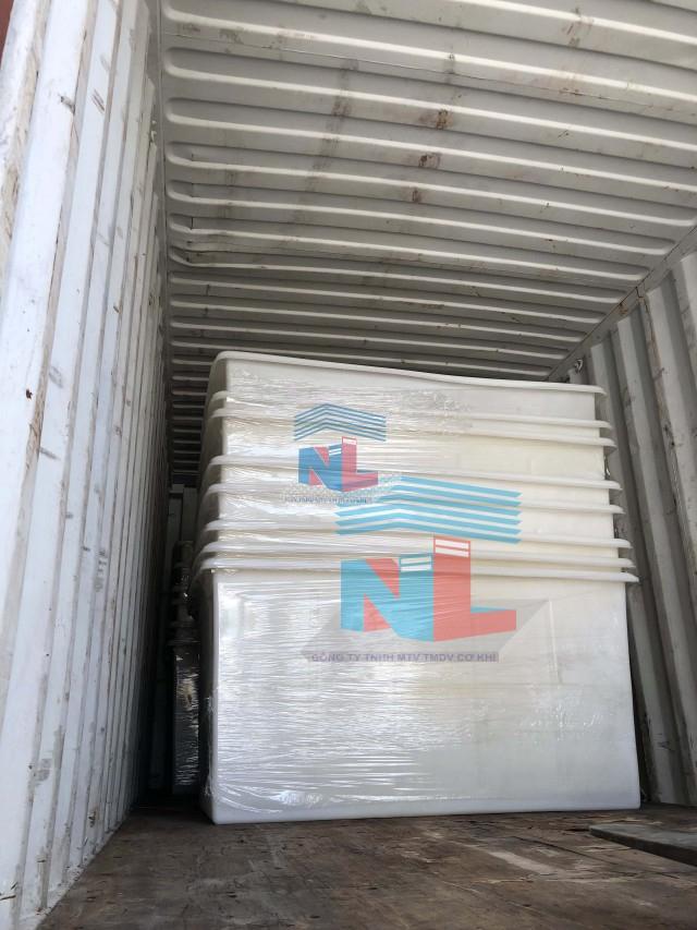 thùng nhựa xe đẩy xuất công cho khách hàng