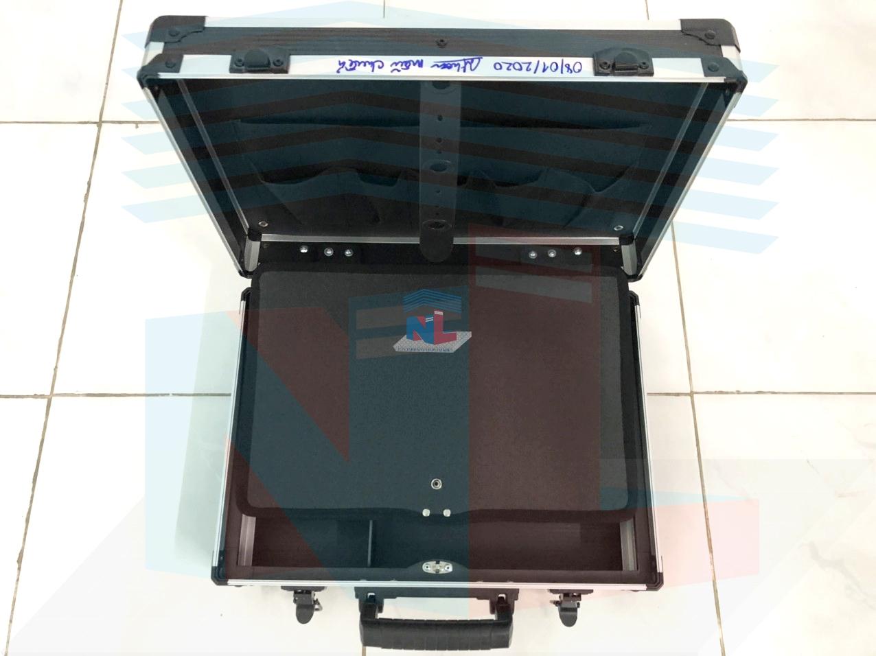 Gia công vali nhựa đựng dụng cụ theo yêu cầu