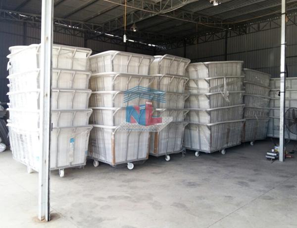 gia công xe thùng nhựa đẩy vải mẫu vuông