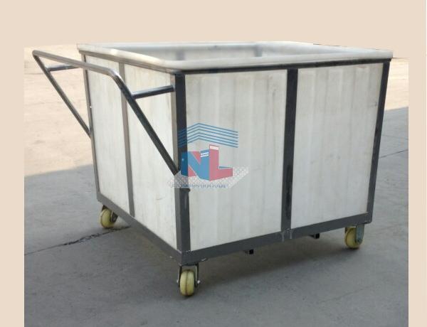 Xe thùng nhựa đẩy vải 700L